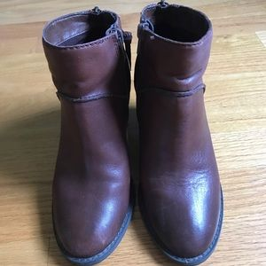 Booties - brown leather.